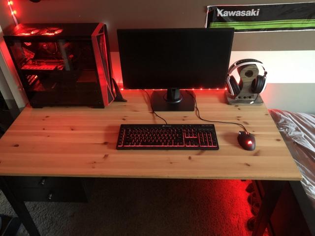 PC_Desk_172_87.jpg