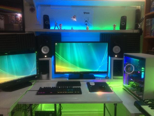 PC_Desk_172_90.jpg