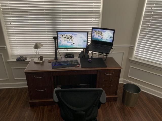 PC_Desk_172_93.jpg