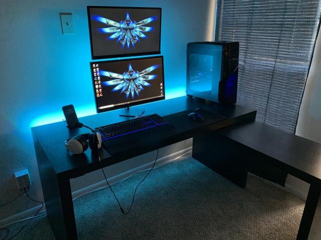 PC_Desk_173_35.jpg