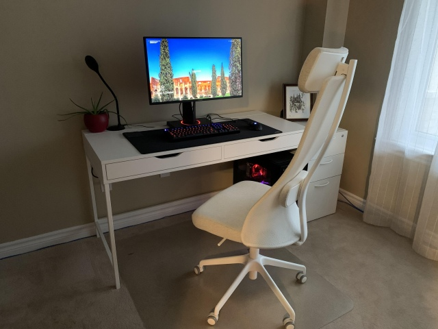 PC_Desk_173_42.jpg