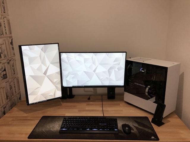 PC_Desk_173_43.jpg