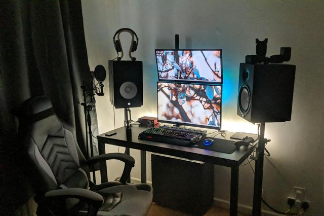 PC_Desk_173_44.jpg