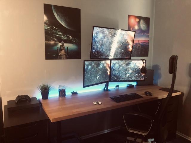 PC_Desk_173_52.jpg