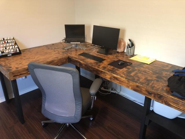 PC_Desk_173_53.jpg