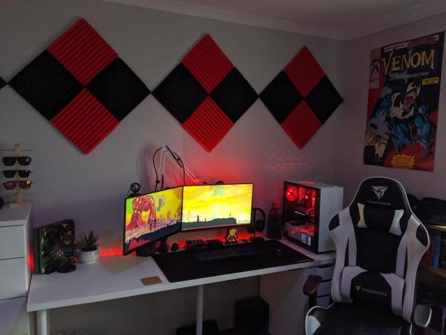 PC_Desk_173_54.jpg