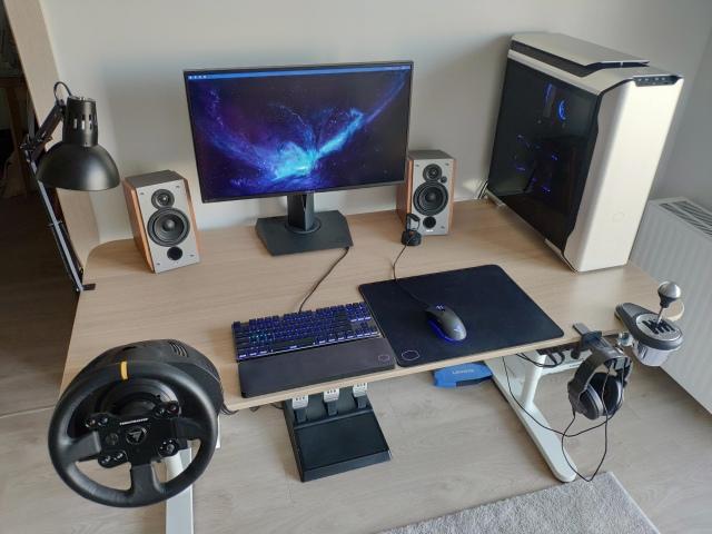PC_Desk_173_85.jpg