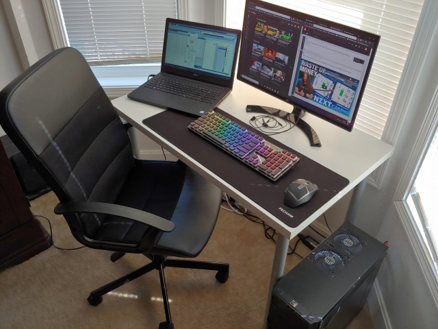 PC_Desk_173_94.jpg