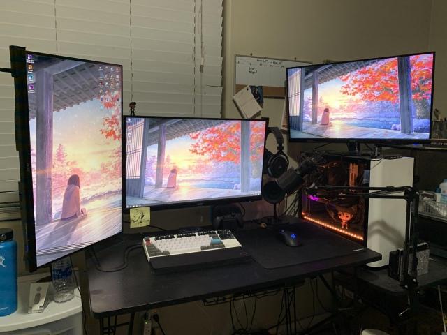 PC_Desk_173_99.jpg
