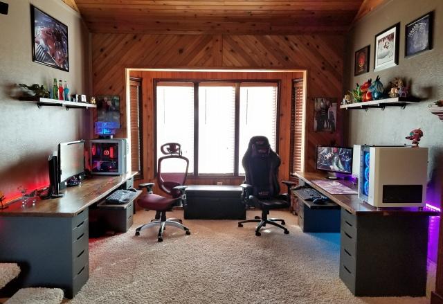 PC_Desk_174_06.jpg