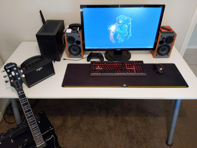 PC_Desk_174_13.jpg