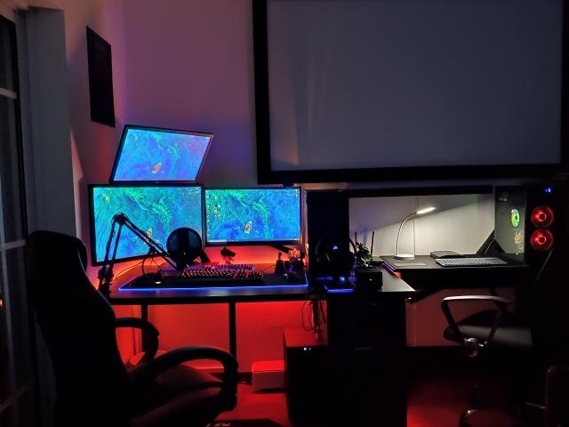 PC_Desk_174_16.jpg
