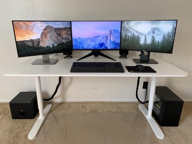 PC_Desk_174_17.jpg