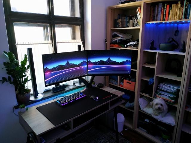 PC_Desk_174_29.jpg