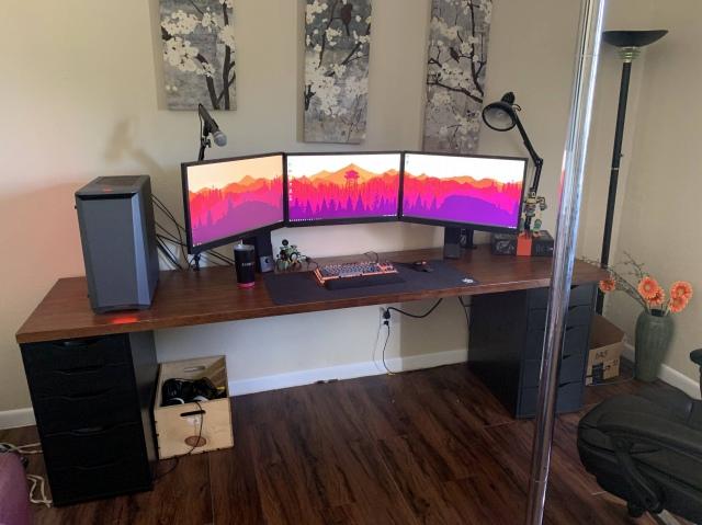 PC_Desk_174_43.jpg