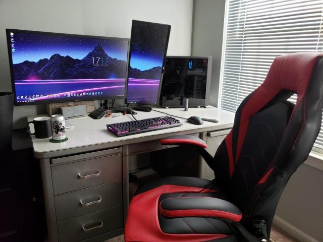 PC_Desk_174_47.jpg
