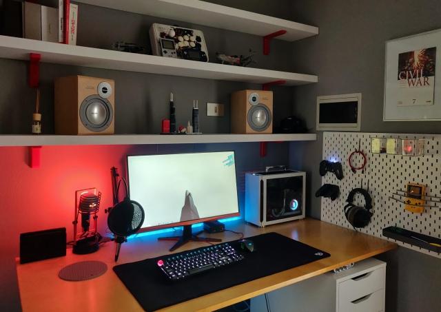 PC_Desk_174_53.jpg