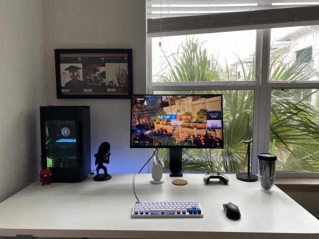 PC_Desk_174_67.jpg