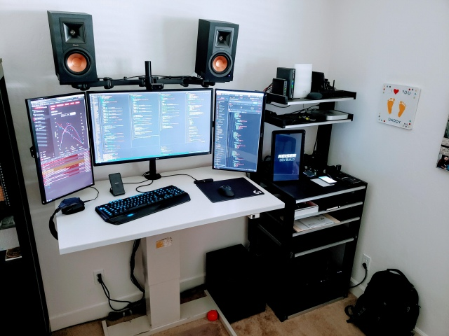 PC_Desk_175_07.jpg