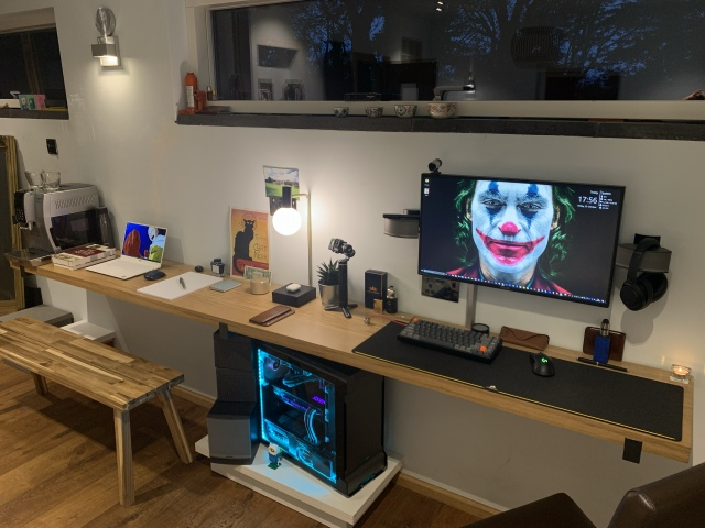 PC_Desk_175_42.jpg