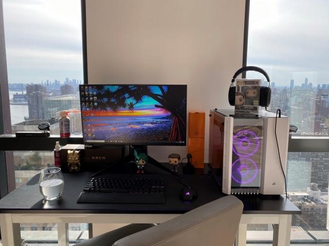 PC_Desk_175_52.jpg