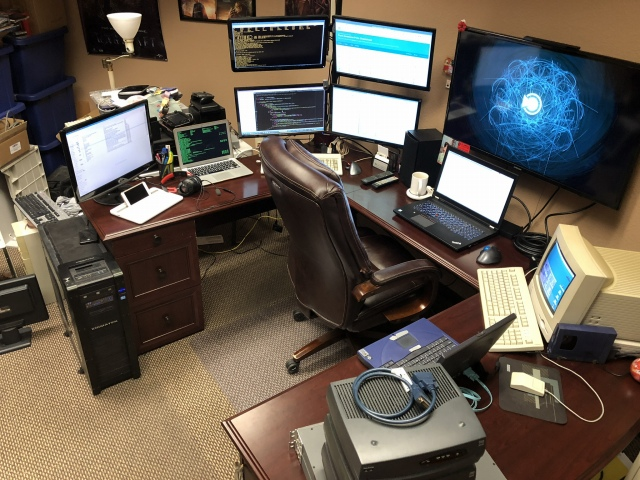 PC_Desk_175_55.jpg