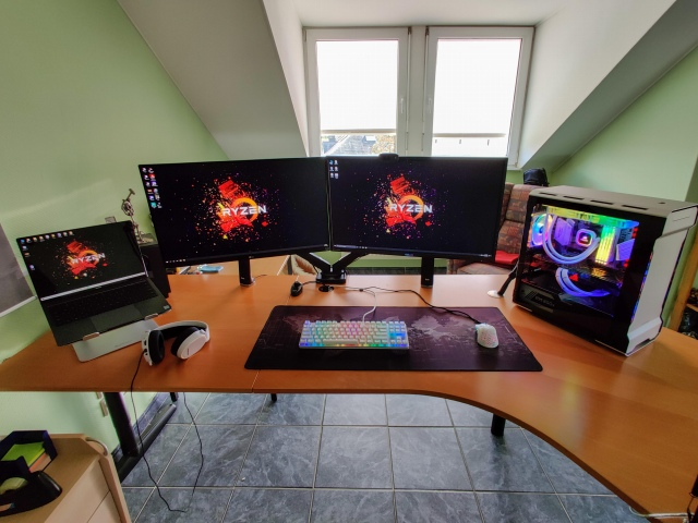 PC_Desk_175_62.jpg
