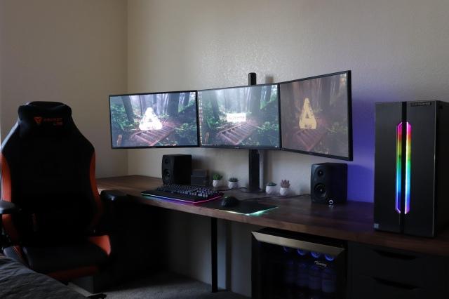 PC_Desk_175_66.jpg
