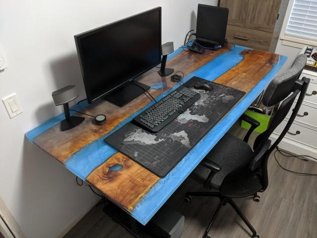 PC_Desk_175_81.jpg