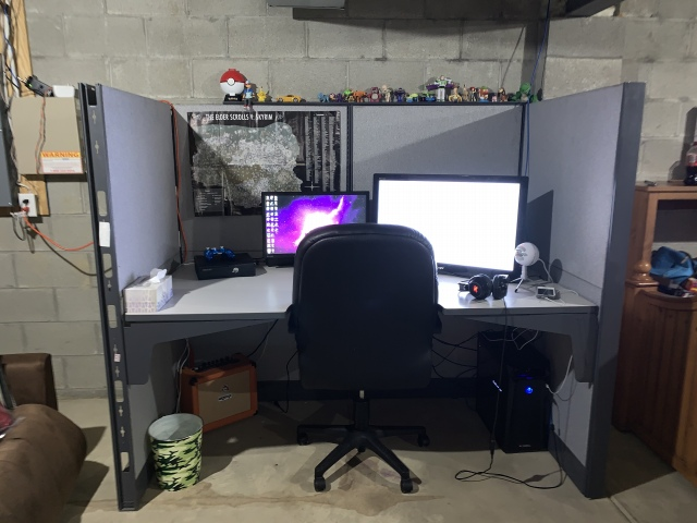 PC_Desk_175_98.jpg