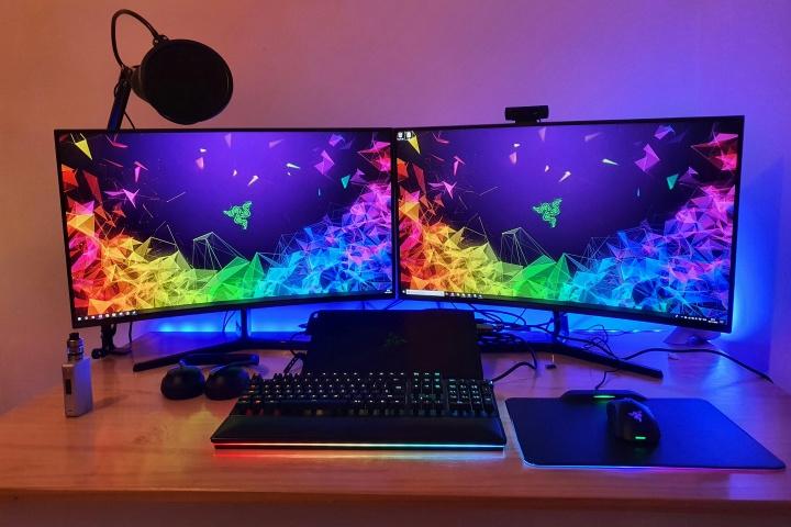 PC_Desk_176_01-.jpg