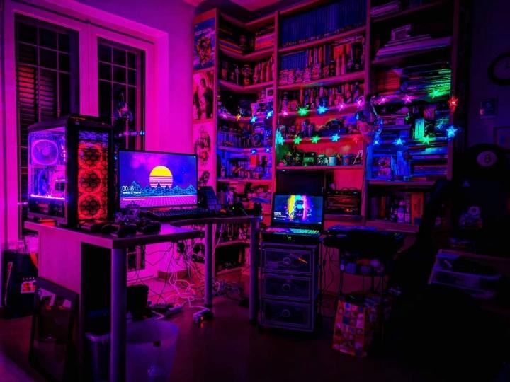 PC_Desk_176_06.jpg