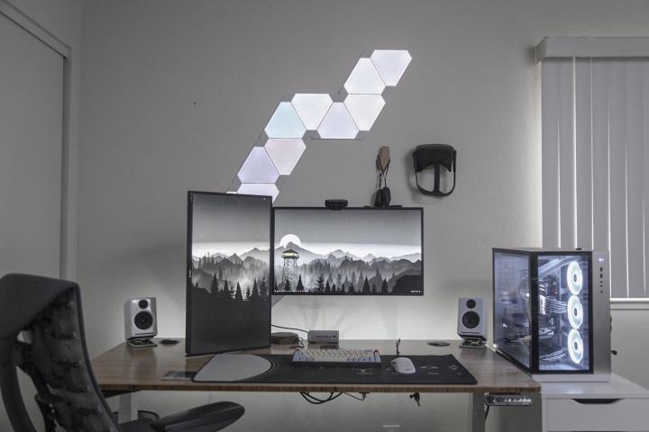 PC_Desk_176_16.jpg