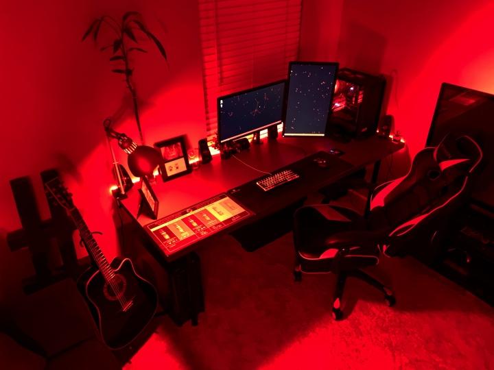 PC_Desk_176_34.jpg