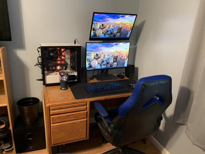 PC_Desk_176_53.jpg