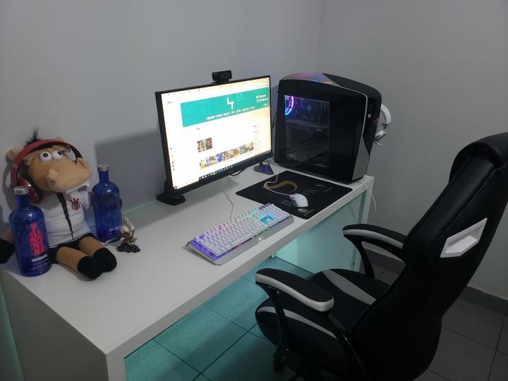 PC_Desk_176_55.jpg