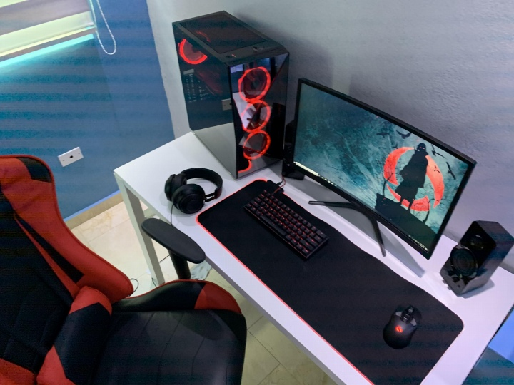 PC_Desk_176_67.jpg