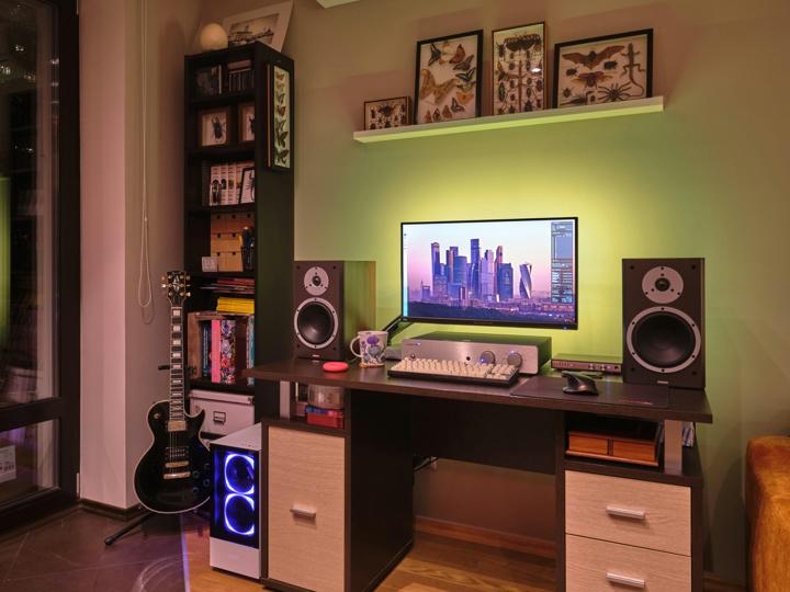 PC_Desk_176_69.jpg