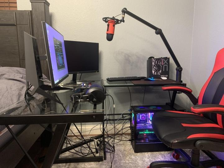PC_Desk_176_74.jpg
