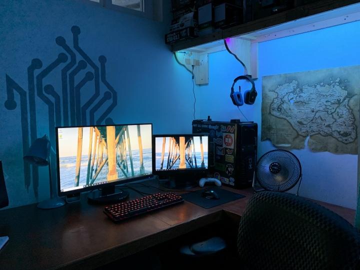 PC_Desk_176_85.jpg