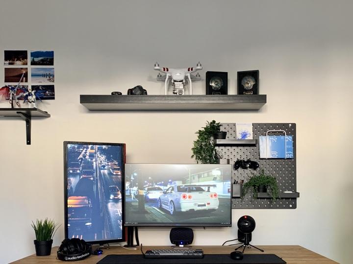 PC_Desk_177_07.jpg