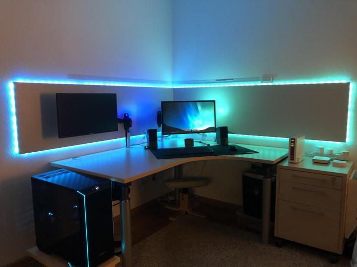 PC_Desk_177_19.jpg
