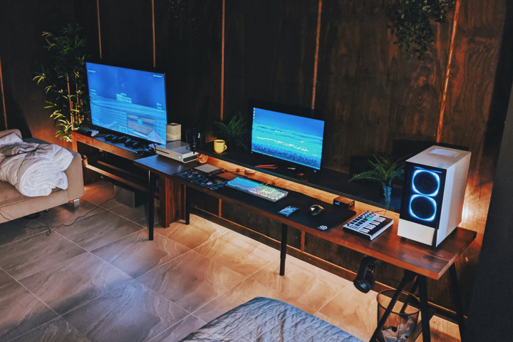 PC_Desk_177_25.jpg