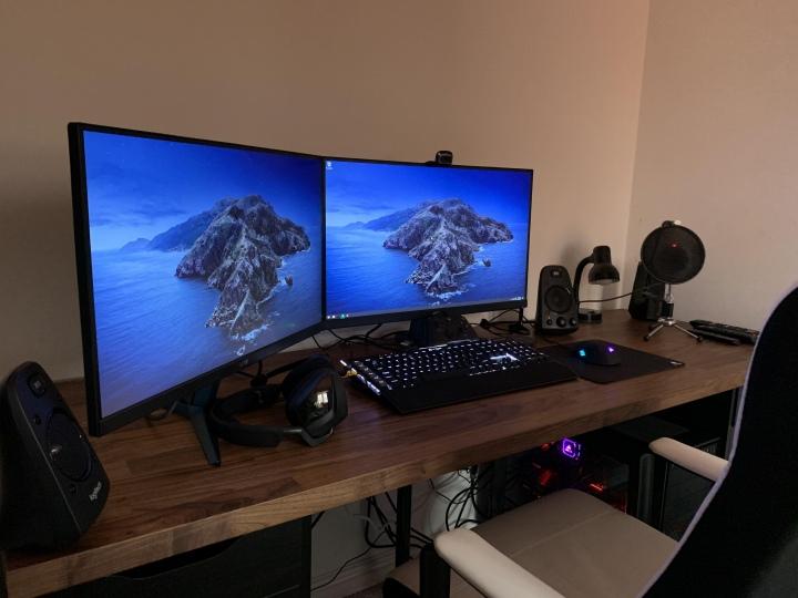 PC_Desk_177_26.jpg