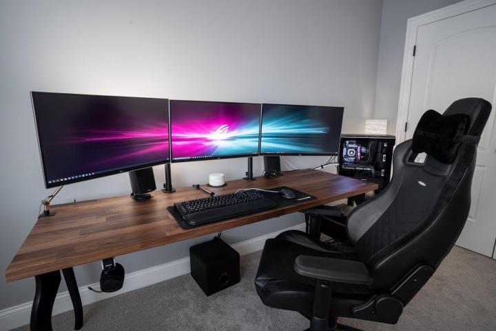 PC_Desk_177_31.jpg