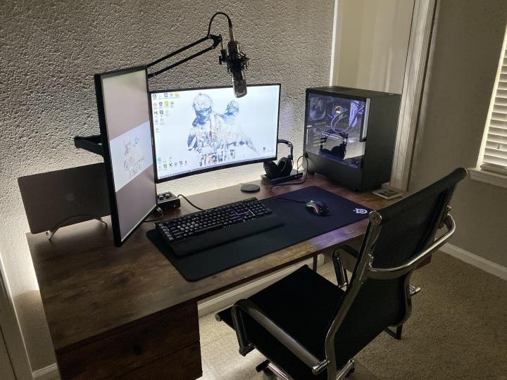 PC_Desk_177_39.jpg