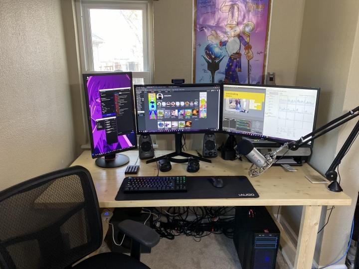 PC_Desk_177_42.jpg