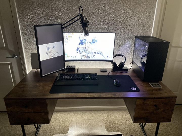 PC_Desk_177_46.jpg