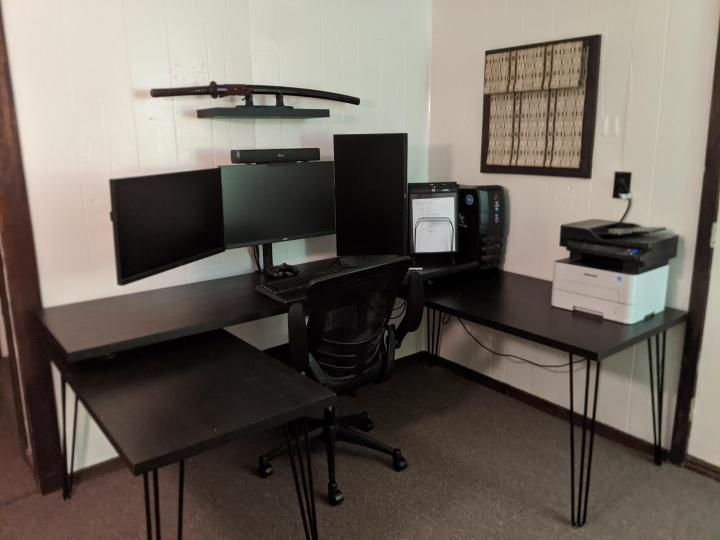 PC_Desk_177_66.jpg