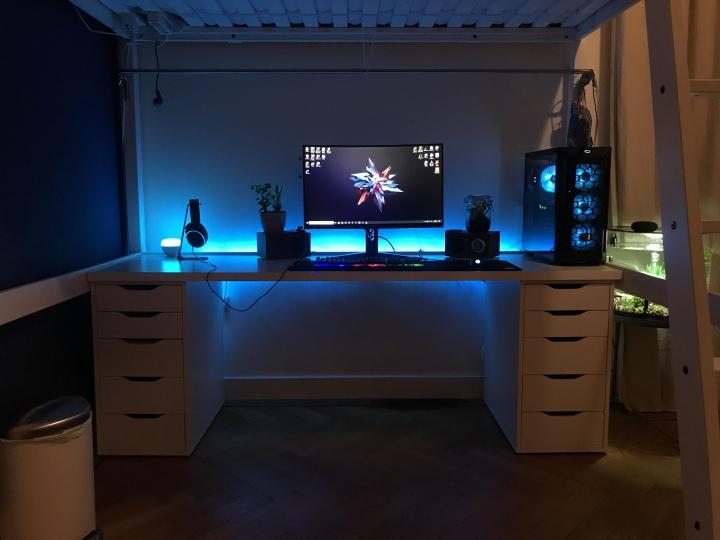 PC_Desk_177_73.jpg